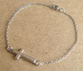 Cross Chain Bracelet, Simple Everyday Jewelry, Elegant gift, Bridesmaid Gift, Bridal Wedding Jewelry